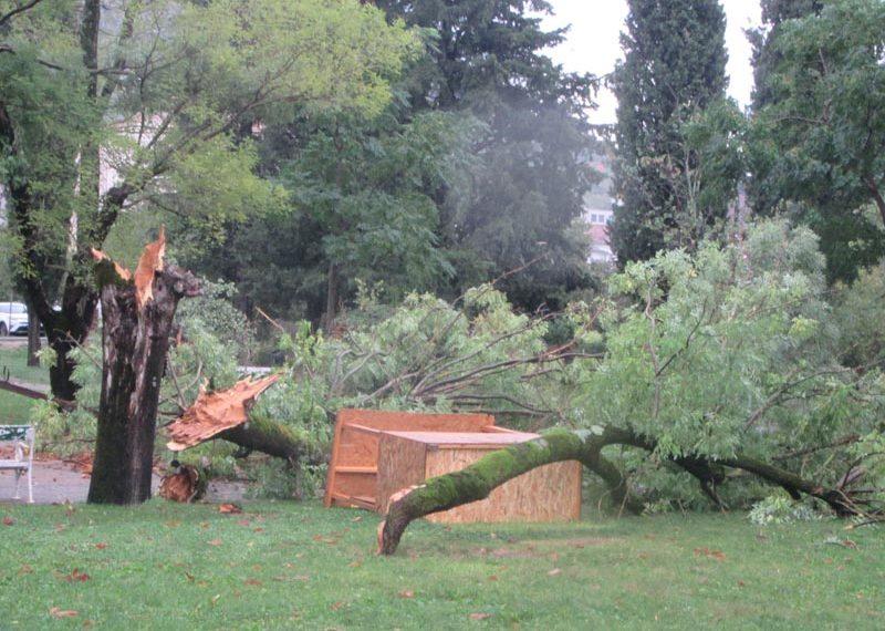 Olujno nevrijeme izazvalo štete u Ljubuškom